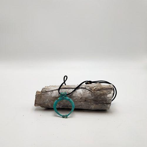 Colgante lúnula cerrada pátina cordón (Ref: 127)